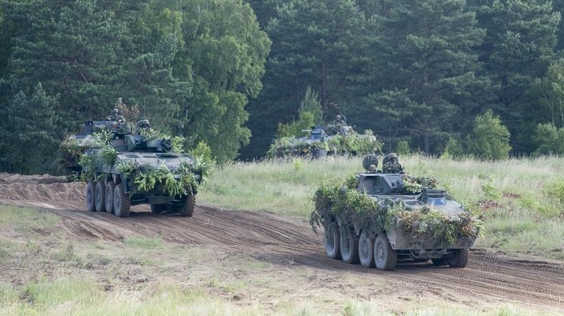 Manewry wojskowe z udziałem cywilów. Amerykanie nie kryją wątpliwości
