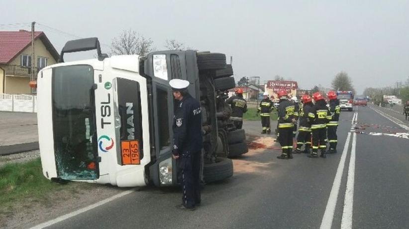 Wypadek w Wielkopolsce. Cysterna z gazem przewróciła się na drodze