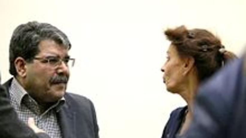 Wstrzymano proces ekstradycji byłego lidera syryjskich Kurdów