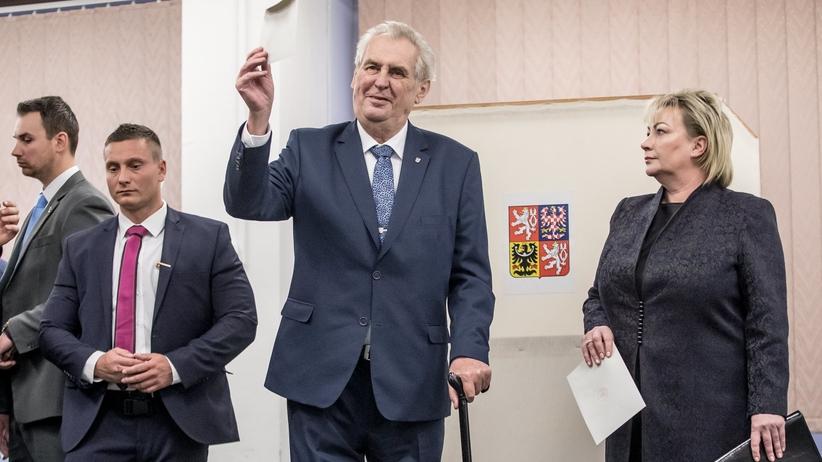 Wybory w Czechach: Zeman prowadzi po pierwszej rundzie