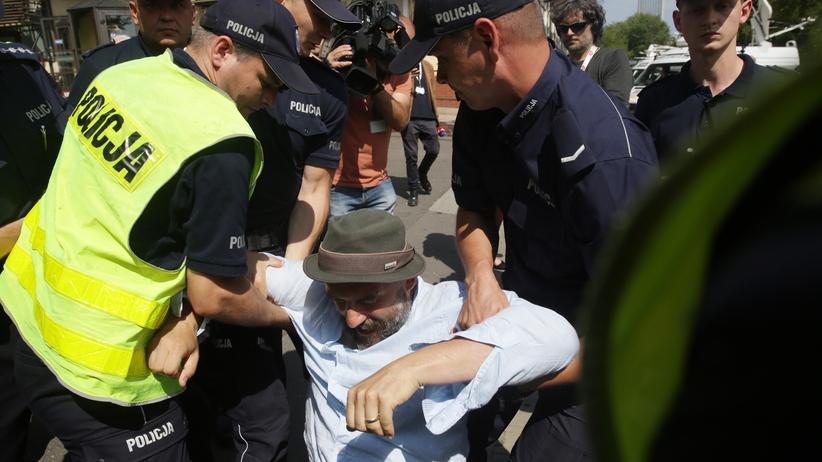 Czy nagrywanie policjantów jest legalne? MSWiA wyjaśnia