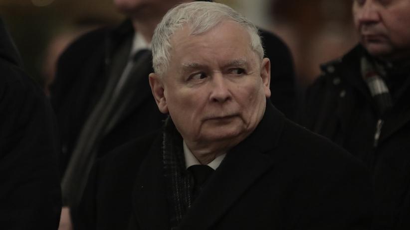 """Kolejna część """"taśm Kaczyńskiego"""". GW: to prezes PiS rządzi spółką Srebrna"""
