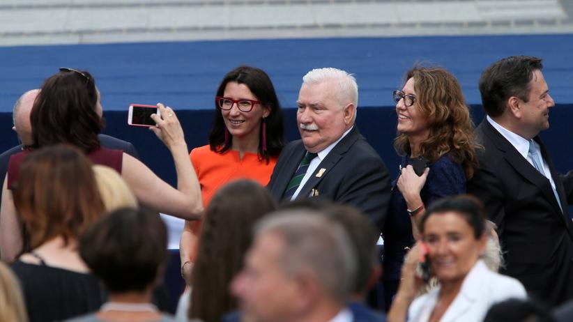Trump dziękował Wałęsie. Reakcja tłumu zbiła go z tropu