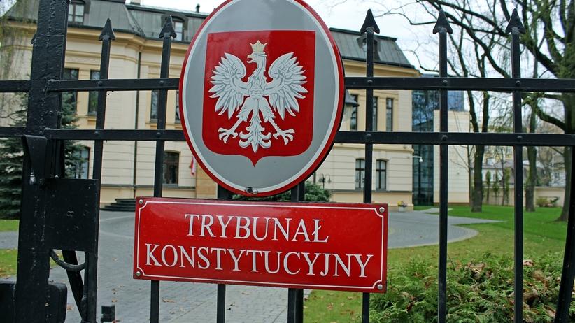 Trybunał Konstytucyjny coraz mniej potrzebny. Sędziowie nie chcą nawet wysylać tam pytań