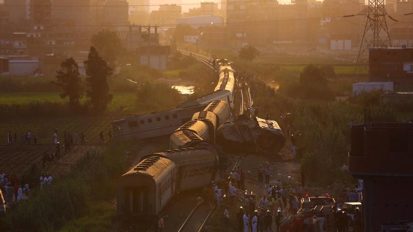 Egipt. Zderzenie dwóch pociągów. Wielu rannych i zabitych