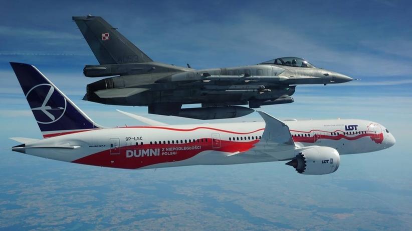 F-16 eskortowały biało-czerwonego Dreamlinera