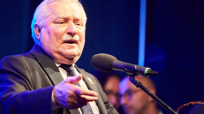 Lech Wałęsa zrzekł się nagrody Człowieka Roku 2004 przyznanej mu w Krynicy