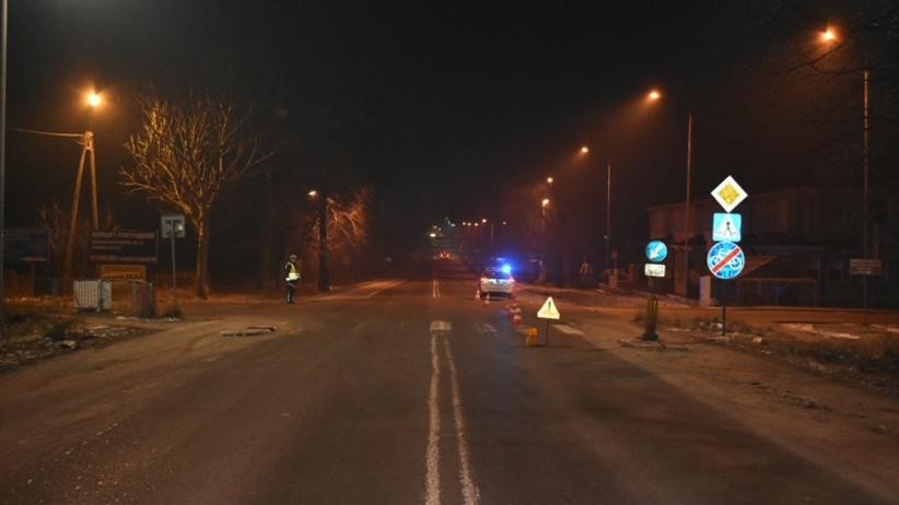 Auto potrąciło 18-latkę. Po chwili po dziewczynie przejechał drugi samochód