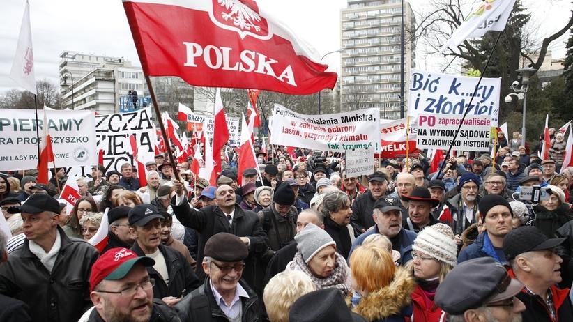 Będzie wielki marsz w obronie rządu PiS. Podano wstępny termin