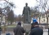 Pomnik ks.Jankowskiego znów stoi w Gdańsku. ''Bez zgody Urzędu Miejskiego'' [ZDJĘCIA]