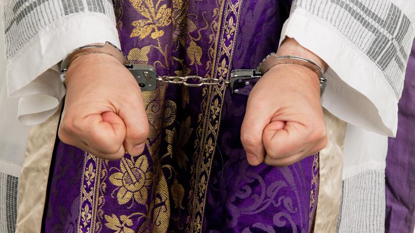 6 lat więzienia dla księdza pedofila. Molestował dwóch chłopców
