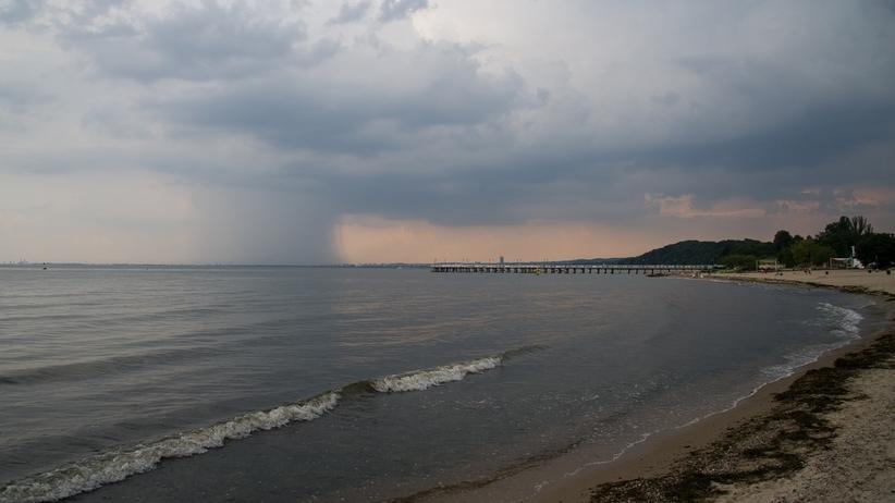 Wyciek oleju opałowego do Bałtyku. Kąpielisko zamknięte do odwołania