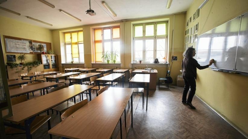 Głośno o deformie. Rodzice o pogorszeniu warunków nauki w szkołach
