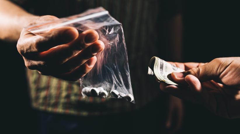 Handlowali narkotykami. Są w rękach policji