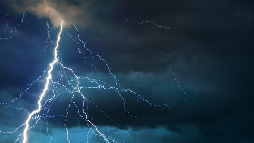 IMGW wydał ostrzeżenia przed burzami i gradem