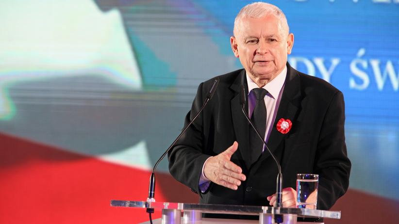 Kaczyński: Odrzucamy ciężki worek kamieni, który nosiliśmy na plecach jako naród po 1989