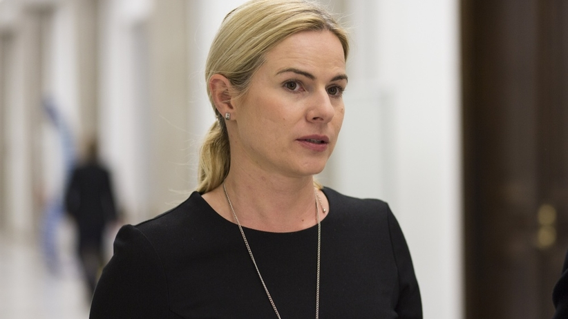 Joanna Schmidt chciała złożyć życzenia Andrzejowi Dudzie. Zaliczyła wpadkę
