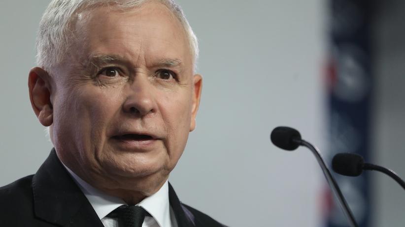 Kaczyński o sądach: upadek zasad moralnych, kontynuacja systemu z PRL