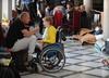 Zwrot w proteście opiekunów osób niepełnosprawnych. Kancelaria Sejmu zaprasza fizjoterapeutów