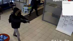 Napad na bank w Katowicach. Policja publikuje WIDEO