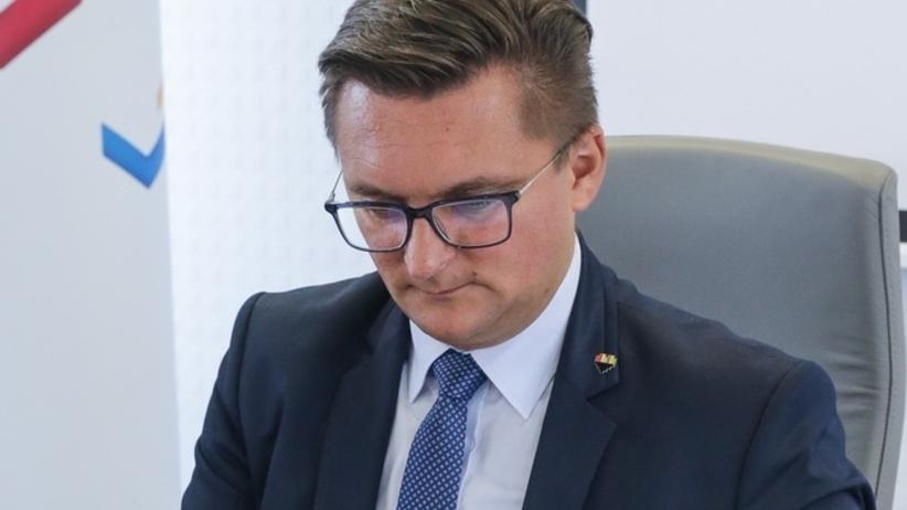 Prezydent Katowic obniżył swoją pensję. Wbrew woli radnych