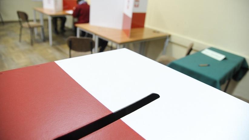 """Zamieszanie z kartami do głosowania. """"To złamanie prawa"""""""