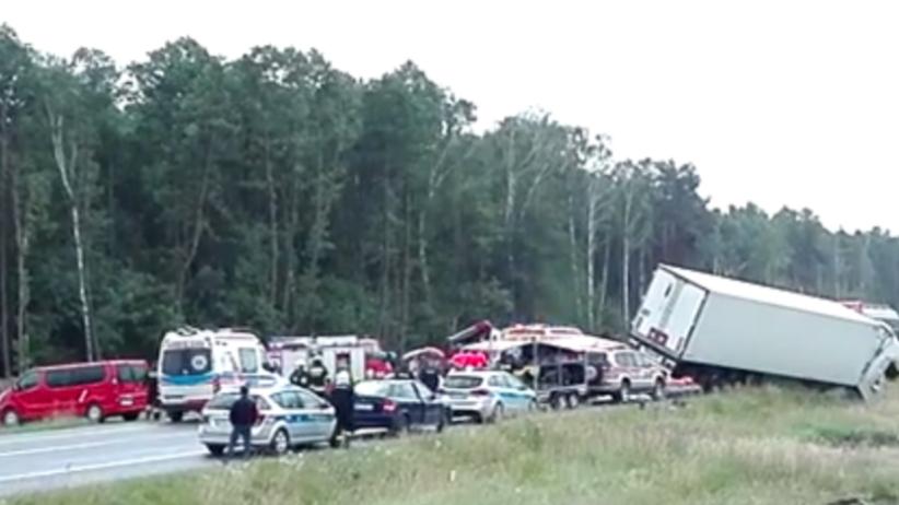 Kierowcy pobili się na drodze ekspresowej na Podlasiu. Wjechał w nich rozpędzony tir