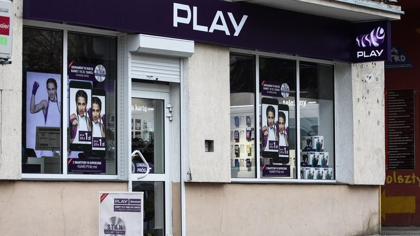 Klienci Play dostają podejrzane SMS-y. Rzecznik sieci apeluje i wyjaśnia