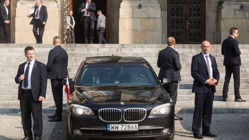 Kolizja limuzuny BOR. W samochodzie był Lech Wałęsa