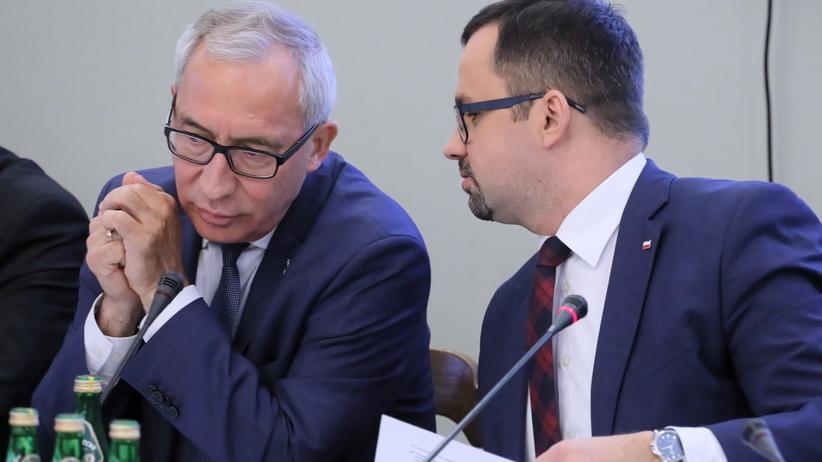 Komisja śledcza Ds Vat Smoliński Z Pis Recytuje Wiersz