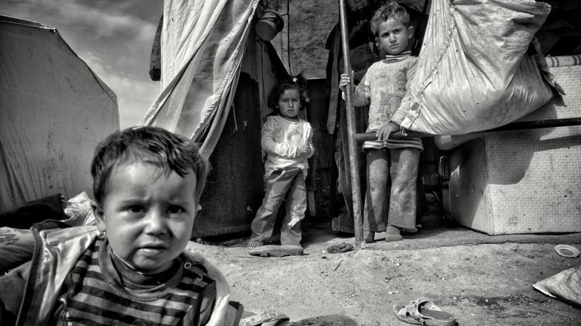 MSWiA o uchodźcach: Polska nie może przyjąć wyłącznie kobiet i dzieci