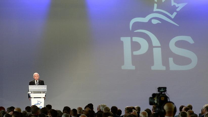Konwencja PiS: oszczędności, inwestycje, innowacje, eksport i infrastruktura. Polska ma być jedna
