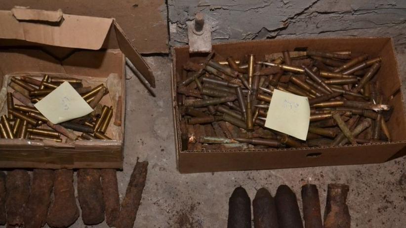 40-latek gromadził w domu arsenał: broń, amunicje, granaty. Wpadł, bo... poszedł do lekarza