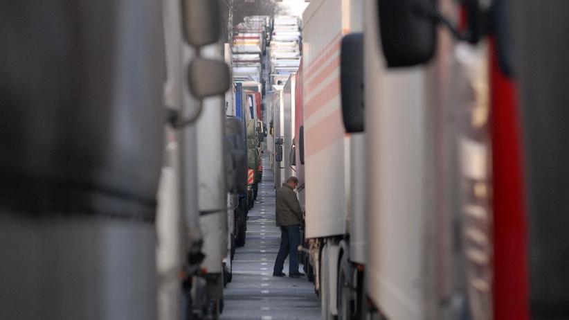 Nawet 20 godzin oczekiwania na odprawę. Ogromne korki na granicy z Ukrainą