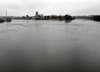 Tragedia w Kostrzynie. Samochód wpadł do rzeki. Trwa akcja ratunkowa