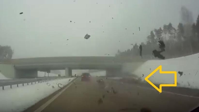 Koszmarny wypadek na autostradzie A1. W aucie jechała dwójka dzieci