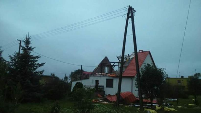 Połamane drzewa, zerwane dachy. Polska po burzowych nawałnicach [WASZE ZDJĘCIA]