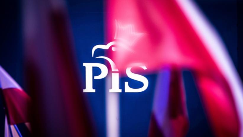 Alarm bombowy w krakowskiej siedzibie PiS. Służby sprawdzają budynek