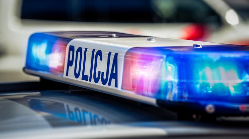 Atak na komisariat policji w Szubinie. Mężczyzna rzucił w budynek koktajlem Mołotowa