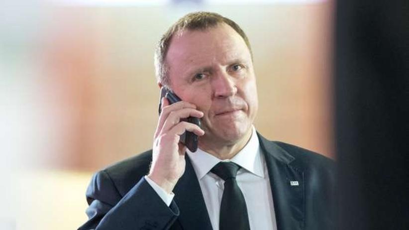 Minister pyta Kurskiego za co dał premie w TVP, a ten robi co może, by nie odpowiedzieć