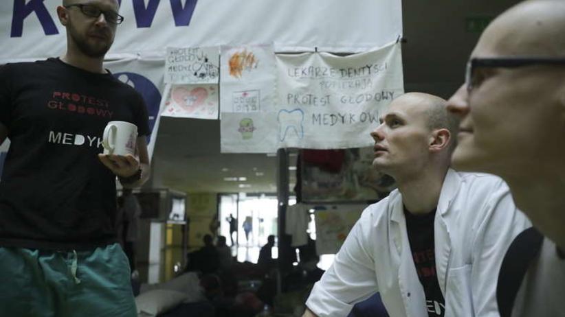 Lekarze wznowili protest. Porozumienia z rządem brak
