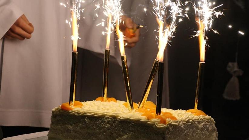 """Słodki poczęstunek w łódzkich parafiach. To na """"urodziny Jezusa"""""""