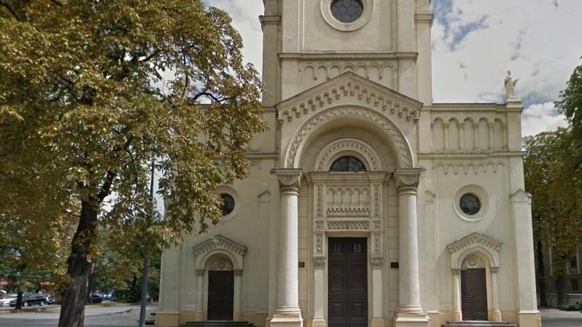 Łódź: Trzej mężczyźni odpowiedzą za zniszczenie elewacji kościoła