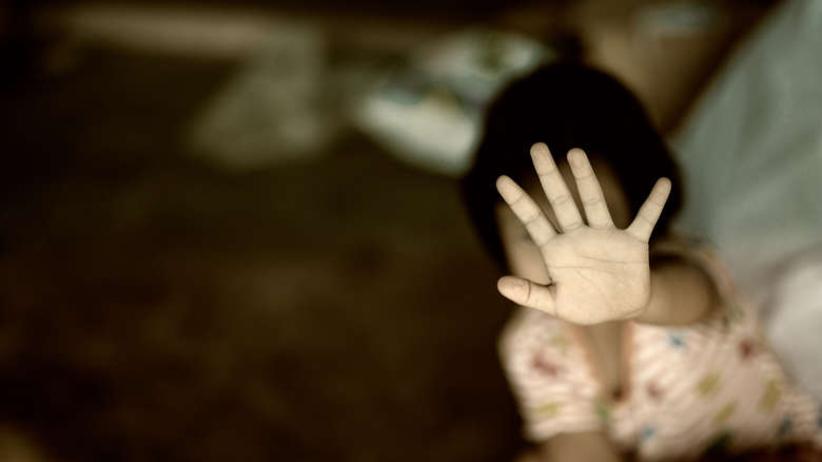 Matka znęcała się nad 8-letnią córką. Dziewczynka zwierzyła się babci