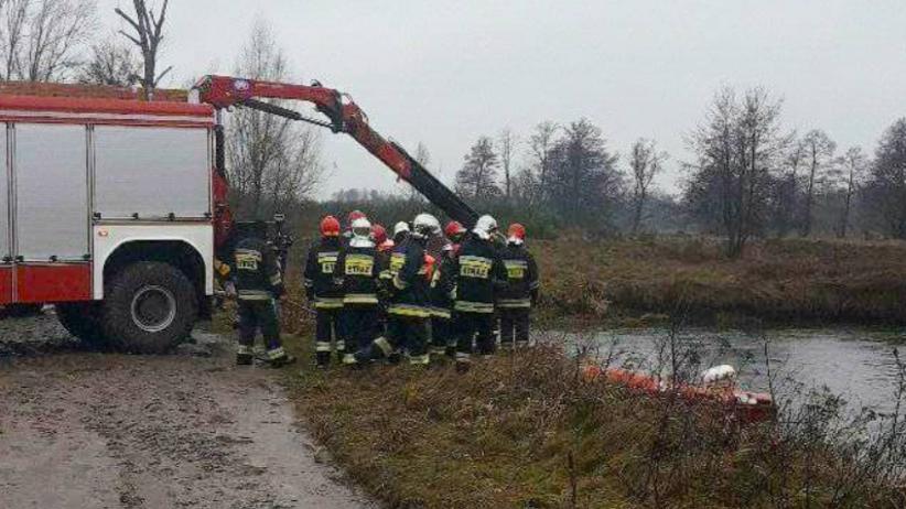 Samochód wpadł do rzeki. Nie żyje 29-letni kierowca
