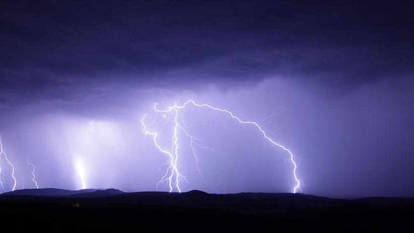 Łowcy burz ostrzegają: bardzo niebezpieczne burze nad Polską [FOTO]