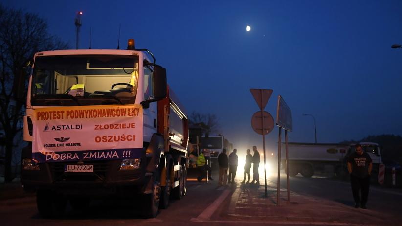 Lubelskie. Podwykonawcy zawiesili blokadę drogi krajowej nr 17