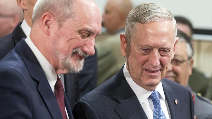 Macierewicz: NATO powinno włączyć się w wyjaśnianie katastrofy smoleńskiej