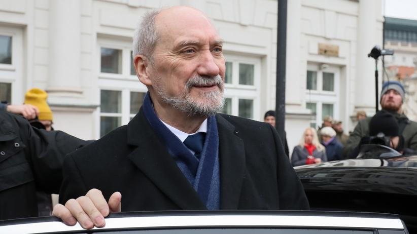 """Macierewicz zdradza, kiedy poznamy raport podkomisji smoleńskiej. """"Zgromadzono w zasadzie cały materiał dowodowy"""""""