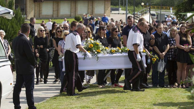 W Bogatyni odbył się pogrzeb Magdaleny Żuk [GALERIA]